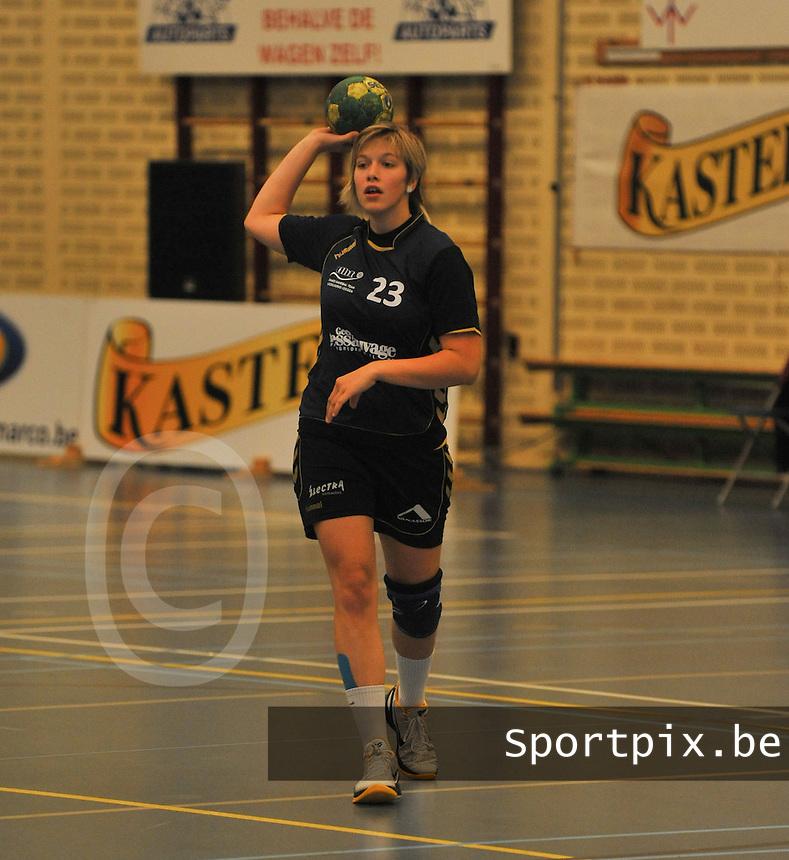 DHT Middelkerke - Izegem : Carmen Lips.foto VDB / BART VANDENBROUCKE
