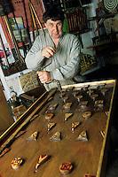 Europe/France/Nord-Pas-de-Calais/59/Nord/Hondschoote : Antoine Joseph Pouleyn créateur et fabricant de jeux traditionnels flamands