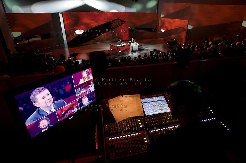 CHE TEMPO CHE FA NELLA FOTO FABIO FAZIO CARLO CRACCO E BENEDETTA PARODI SPETTACOLI MILANO 02/04/2012 FOTO MATTEO BIATTA<br /> <br /> CHE TEMPO CHE FA IN THE PICTURE FABIO FAZIO SHOW MILANO 02/04/2012 PHOTO BY MATTEO BIATTA