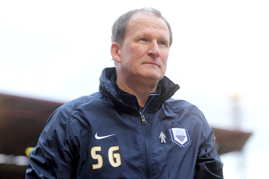 Preston North End's Manager Simon Grayson<br /> <br /> Photographer Mick Walker/CameraSport<br /> <br /> Football - The Football League Sky Bet League One - Barnsley v Preston North End - Saturday 21st March 2015 - Oakwell Stadium - Barnsley<br /> <br /> &copy; CameraSport - 43 Linden Ave. Countesthorpe. Leicester. England. LE8 5PG - Tel: +44 (0) 116 277 4147 - admin@camerasport.com - www.camerasport.com
