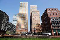 Nederland - Amsterdam. 2018 . De Symphony torens met kantoren van o.a. APG en Arcadis. Foto: Berlinda van Dam / Hollandse Hoogte
