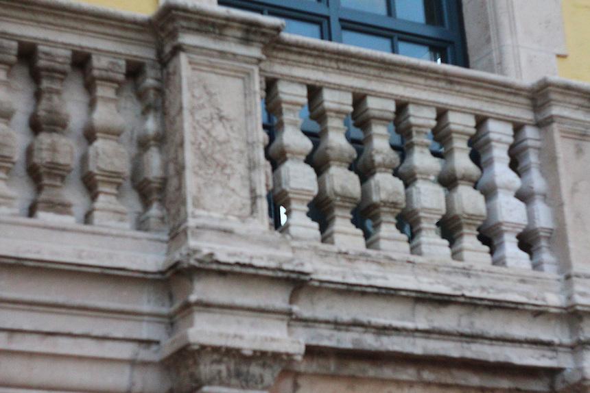 balustrade balcony