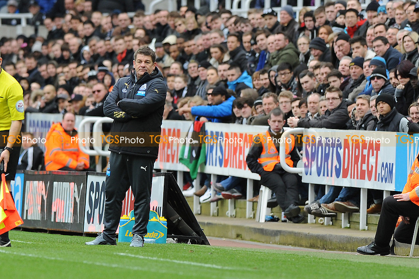 `A frustrated Newcastle United manager John Carver - Newcastle United vs Arsenal - Barclays Premier League Football at St James Park, Newcastle upon Tyne - 21/03/15 - MANDATORY CREDIT: Steven White/TGSPHOTO - Self billing applies where appropriate - contact@tgsphoto.co.uk - NO UNPAID USE