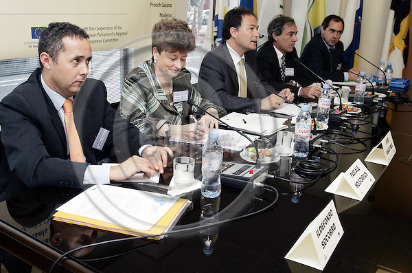 BRUSSELS - BELGIUM - 11 OCTOBER 2005 --Committee of the Regions (CoR) - Open Days. -- Workshop sessions in Regional Offices . -- Governmental Office of Canary Islands: The outermost regions of the European Union: An example of European territorial cooperation..Speakers: Ildefonso SOCORRO QUEVEDO (L), Pascale WOLFCARIUS, Javier MORALES FEBLES, Patrick GUILLAUMIN and Joao JESUS. --PHOTO: JUHA ROININEN / EUP-IMAGES