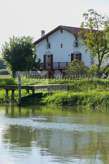 France, Aquitaine, Pyrénées-Atlantiques, Pays Basque,  Guiche: L'ancienne maison du Passeur    //  France, Pyrenees Atlantiques, Basque Country, Guiche: Old passeur house
