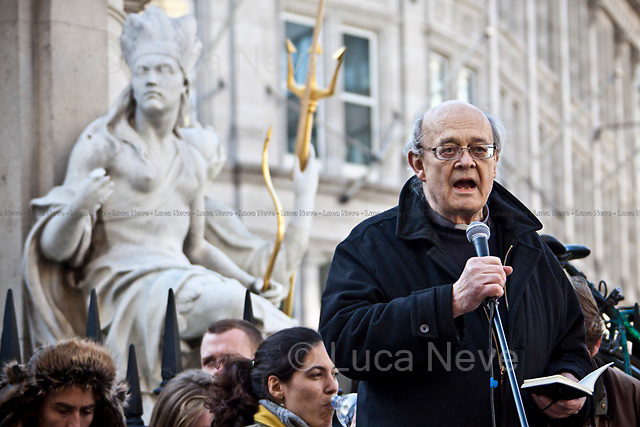 Rev Paul Nicolson - 2011<br /> <br /> London, 22/10/2011. The Day at Occupy LSX started with a public meeting held by national and international speakers. Amongst others were Rev Paul Nicolson (Founder and chairman of Zacchaeus 2000 Trust), Laura Martin (Spanish activist, member of 15M movement), Selma James (co-author of the women's movement classic The Power of Women and the Subversion of the Community, founder of the International Wages for Housework Campaign and coordinator of the Global Women's Strike), Ishmahil Blagrove Jr (Senior Producer/Director and founder of Rice N Peas Films) In the last few days the camp has grown and now looks like a small tent-town, complete with University tent. The kitchen now counts two big tents. The protesters have a hairdresser, a meditation and pray tent and solar panels. In the afternoon a march started from St Paul's which ended in Finsbury Square (London Borough of Islington) where the protesters settled their second camp.