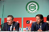GRONINGEN - Voetbal, Persdag FC Groningen,  seizoen 2017-2018, 08-08-2017,<br /> Hans Nijland geeft uitleg met FC Groningen trainer Ernest Faber