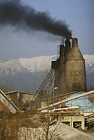 - antica fornace per la produzione della calce sul greto del fiume Piave<br /> <br /> - old furnace for the production of lime on the banks of the Piave River
