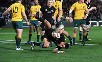 Aaron Smith scores a try on half time.<br /> Bledisloe Cup and Rugby Championship test match. New Zealand All Blacks v Australian Wallabies at Forsyth Barr Stadium, Dunedin, New Zealand. Saturday 26 August 2017. © Copyright photo: Andrew Cornaga / www.Photosport.nz