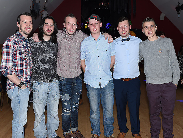 Dean Maguire celebrating his 21st birthday in the Thatch with brothers Stephen, Damien, Eoin, Daragh and Paul. Photo:Colin Bell/pressphotos.ie