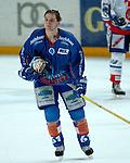 Eishockey, DEL, Deutsche Eishockey Liga 2003/2004 , 1.Bundesliga Arena Nuernberg (Germany) Nuernberg Ice Tigers - Iserlohn Roosters (7:2) Christian Hommel (Iserlohn) auf dem Weg zur Strafbank