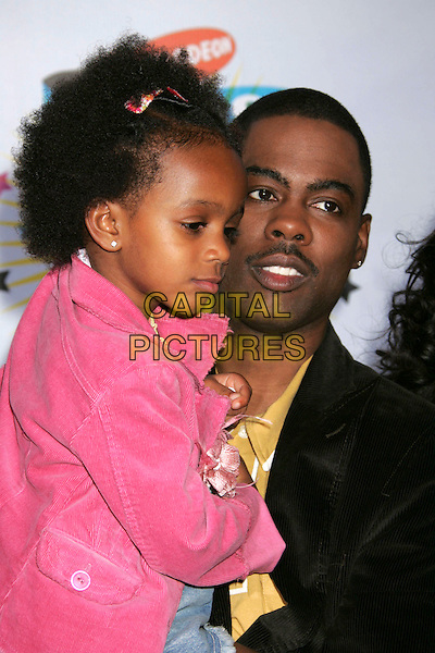 CHRIS ROCK.Nickelodeon's 19th Annual Kids' Choice Awards - Orange Carpet at the Pauley Pavilion,  Westwood, California, .USA, 1st April 2006..half length daughter kid child father.Ref: ADM/RE.www.capitalpictures.com.sales@capitalpictures.com.©Russ Elliot/AdMedia/Capital Pictures.