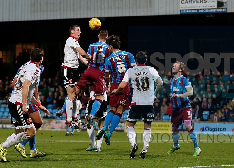 Neill Collins of Sheffield Utd gets a header on goal - English League One - Scunthorpe Utd vs Sheffield Utd - Glandford Park Stadium - Scunthorpe - England - 19th December 2015 - Pic Simon Bellis/Sportimage