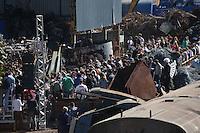 SAO PAULO, SP, 16/06/2012, DESFILE CAVALERA.<br /> <br />  O desfile da Cavalera, que aconteceu na manh&atilde; de hoje (16) em um ferro-velho na Mooca, em S&atilde;o Paulo.<br /> <br />  Luiz GUarnieri/ Brazil Photo Press