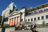 Vancouver Art Gallery with the Fairmont Hotel Vancouver in background, Vancouver, BC, Canada. This neoclassical building was formerly the Provincial Courthouse.