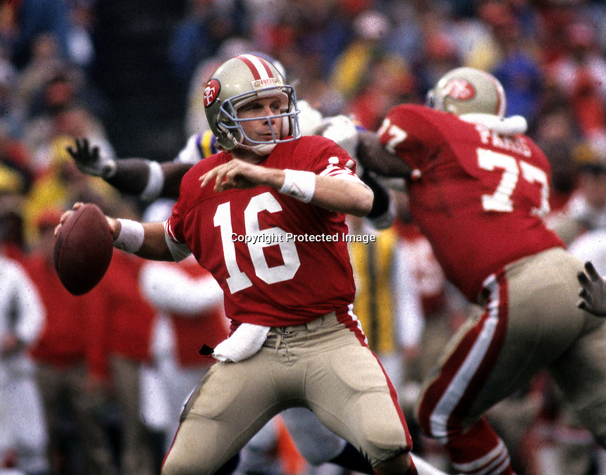 San Francisco 49er quarterback Joe Montana <br />