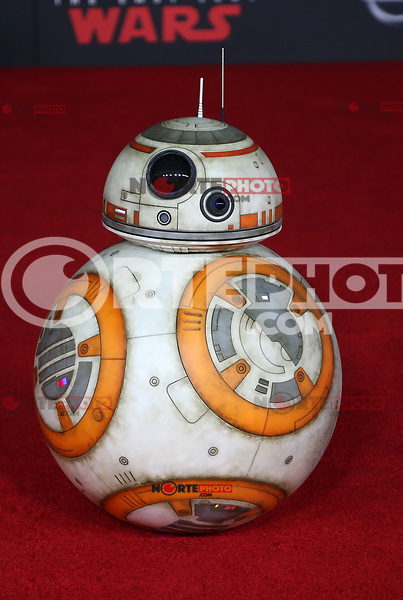 LOS ANGELES, CA - DECEMBER 9: BB-8, at Premiere Of Disney Pictures And Lucasfilm's 'Star Wars: The Last Jedi' at Shrine Auditorium in Los Angeles, California on December 9, 2017. Credit: Faye Sadou/MediaPunch /NortePhoto.com NORTEPHOTOMEXICO