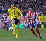 MADRID, Spain (14/02/10).-Liga BBVA de futbol. Partido Atletico de Madrid-FC Barcelona..Zlatan Ibrahimovic y Tomas Ujfalusi.©Raul Perez ..