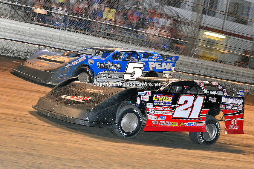 Feb 20, 2014; 9:24:05 PM;  Barberville, FL, USA;  World of Outlaws Late Model Series for 43rd Annual DIRTcar Nationals presented by Summit Racing Equipment at Volusia Speedway Park.  Mandatory Credit: (thesportswire.net)