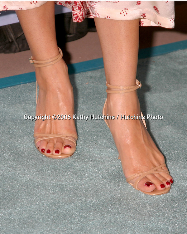 Constance Marie arriving at the.Leeza's Place Care Centre Opening at the .Assistance League Center.Los Angeles, CA.April 21, 2006.©2006 Kathy Hutchins / Hutchins Photo....