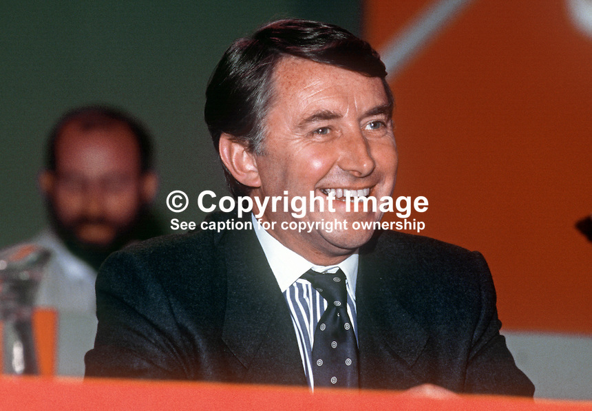 David Steel, MP, leader, Liberal Party, UK, platform, annual conference, September 1986, 19860915DS1<br /> <br /> Copyright Image from Victor Patterson, 54 Dorchester Park, Belfast, UK, BT9 6RJ<br /> <br /> t1: +44 28 9066 1296 (from Rep of Ireland 048 9066 1296)<br /> t2: +44 28 9002 2446 (from Rep of Ireland 048 9002 2446)<br /> m: +44 7802 353836<br /> <br /> e1: victorpatterson@me.com<br /> e2: victorpatterson@gmail.com<br /> <br /> The use of any of my copyright images is subject to my Terms &amp; Conditions.<br /> <br /> It is IMPORTANT that you familiarise yourself with them. They are available on my website, victorpatterson.com.<br /> <br /> None of my copyright images may be used on the Internet unless they are visibly watermarked, i.e. &copy; Victor Patterson in the body of the image. Additionally metadata denoting my copyright must NOT be deleted. <br /> <br /> Web use is extra at the current recommended NUJ rates.