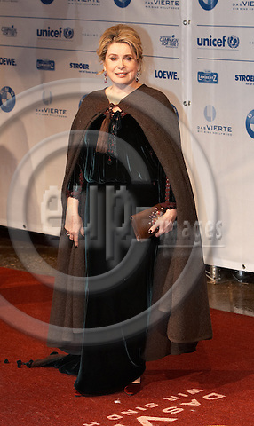 "BERLIN - GERMANY 12. FEBRUARY 2007 -- Cinema for peace - Catherine Deneuve at the red carpet -- PHOTO: CHRISTIAN T. JOERGENSEN / EUP & IMAGES....This image is delivered according to terms set out in ""Terms - Prices & Terms"". (Please see www.eup-images.com for more details)"
