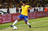 ATENÇÃO EDITOR: FOTO EMBARGADA PARA VEÍCULOS INTERNACIONAIS - RECIFE,PE,10 SETEMBRO 2012 - AMISTOSO SELEÇÃO BRASILEIRA - BRASIL X CHINA -Hulk jogador do Brasil duarnte partida Brasil x China no Estádio José do Rego Maciel  (Arruda) em Recife na noite desta segunda feira (10).(FOTO ALE VIANNA - BRAZIL PHOTO PRESS).