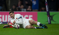 Englands' Jonny May scores his side's first tryjo<br /> <br /> Photographer Bob Bradford/CameraSport<br /> <br /> NatWest Six Nations Championship - England v Wales - Saturday 10th February 2018 - Twickenham Stadium - London<br /> <br /> World Copyright &copy; 2018 CameraSport. All rights reserved. 43 Linden Ave. Countesthorpe. Leicester. England. LE8 5PG - Tel: +44 (0) 116 277 4147 - admin@camerasport.com - www.camerasport.com