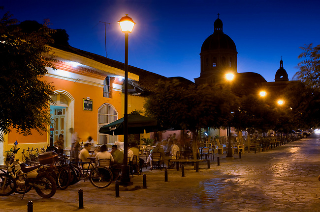 Nicaragua / Granada / Calle Calzada / Hotels / Restaurants / Tourists / Cathedral of Granada / Dusk