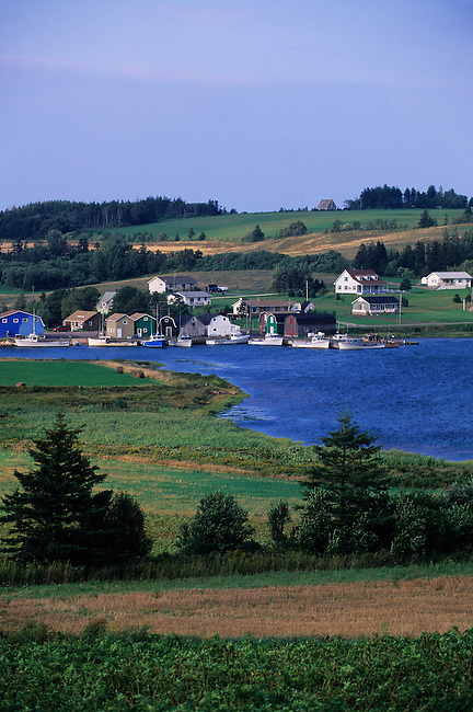 CANADA, PRINCE EDWARD ISLAND, FRENCH RIVER, FISHING HARBOR