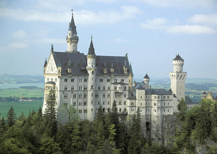 Schloss Neuschwanstein Castle from Mary's Bridge (Marienbrucke), Bavaria, Germany