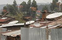 Addis Abeba, slum e antenne paraboliche