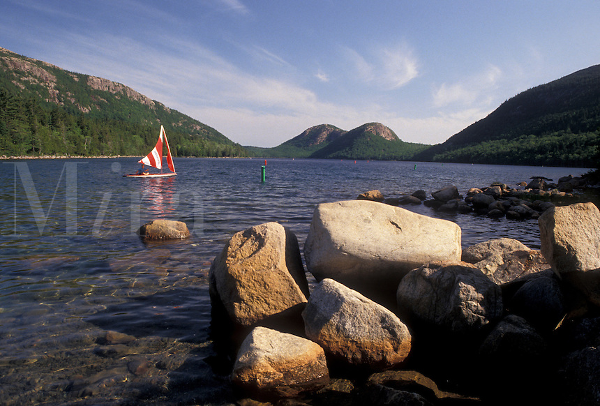 AJ4479, Acadia National Park, lake, pond, Acadia, sailboat, Maine, Scenic view of sailboat on Jordan Pond in Acadia Nat'l Park in the state of Maine.