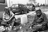 - Milano, campo rom di via Barzaghi-Triboniano, sgombero del campo ..- Milan, Roma gypsies camp in Barzaghi-Triboniano street, camp evacuation