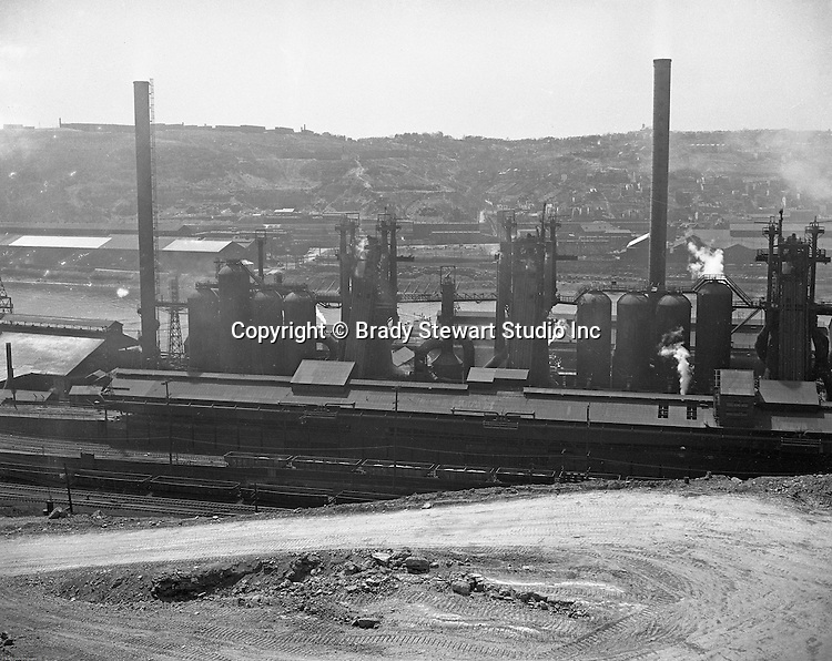 Pittsburgh PA:  View of the Jones and Laughlin plant on the Monongahela River (South Side)- 1960.  Jones & Laughlin Steel expanded operations on both sides of the Monongahela River as well as a plant which opened in Aliquippa, Pa. in 1905.