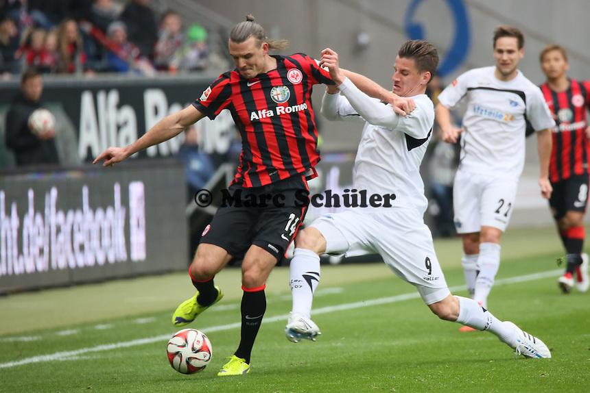 Alex Meier (Eintracht) gegen Stefan Kutschke (Paderborn) - Eintracht Frankfurt vs. SC Paderborn 07, Commerzbank Arena