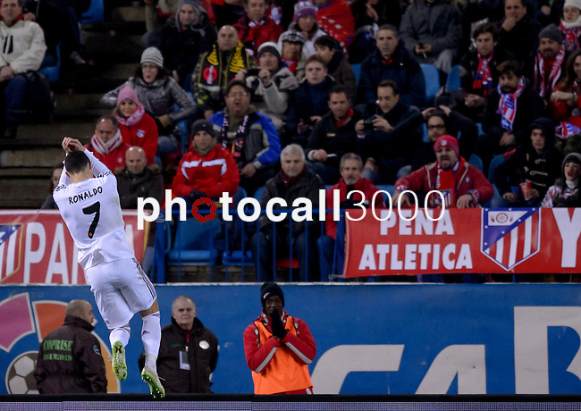 Real Madrid's Portuguese forward Cristiano Ronaldo celebrates after scoring during the Spanish Copa del Rey (King's Cup) semifinal second-leg football match Club Atletico de Madrid vs Real Madrid CF at the Vicente Calderon stadium in Madrid on February 11, 2014.   PHOTOCALL3000/ DP