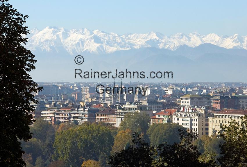 Italien, Piemont, Hauptstadt Turin: Uebersicht, schneebedeckte Alpen   Italy, Piedmont, capital Torino: overview, snow covered Alps