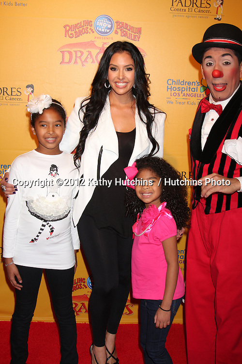 LOS ANGELES - JUL 12:  Vanessa Bryant and her children arrives at 'Dragons' presented by Ringling Bros. & Barnum & Bailey Circus at Staples Center on July 12, 2012 in Los Angeles, CA