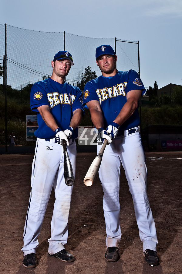 24 May 2009: Andrew Smith and Rhett Teller, of Senart, pose prior to a game against La Guerche during the 2009 challenge de France, a tournament with the best French baseball teams - all eight elite league clubs - to determine a spot in the European Cup next year, at Montpellier, France. Senart wins 8-5 over La Guerche.