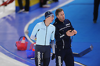 SCHAATSEN: BERLIJN: Sportforum Berlin, 06-12-2014, ISU World Cup, Bart Swings (BEL), Rutger Tijssen (trainer/coach Team Stressless), ©foto Martin de Jong