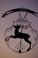 Europe/Allemagne/Forêt Noire/Saint-Margen : Enseigne d'un hôtel en forme de cerf