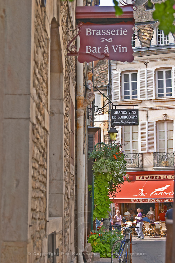 Brasserie, bar a vin, wine bar. Beaune, cote de Beaune, d'Or, Burgundy, France