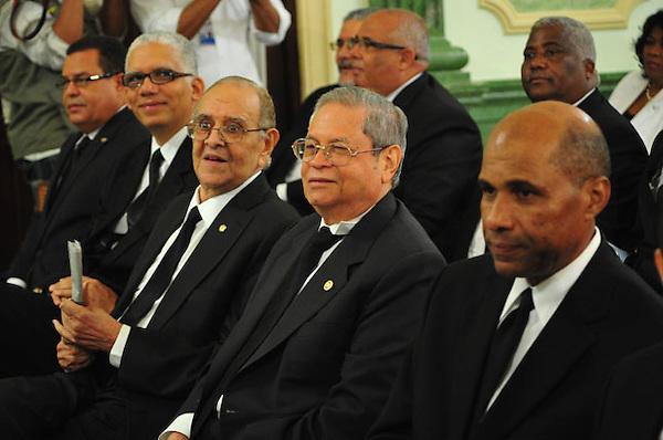 Reunion del Consejo Nacional de la Magistratura para entrevistar a los jueces para el tribunal superior Electoral.