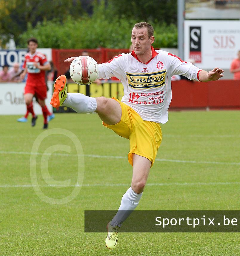 FC Gullegem : Karsten Delrue <br /> foto VDB / BART VANDENBROUCKE