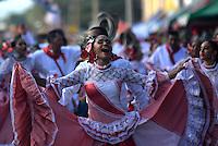BARRANQUILLA-COLOMBIA- 15-02-2015: La Gran Parada dejó en alto la tradición. Cerca de 200 grupos folclóricos desfilan, este domingo, en el cumbiódromo de la Vía 40 demostrando una vez más que se mantiene viva la tradición en uno de los eventos más emblemáticos del Carnaval de Barranquilla que concluirá en el próximo 17 de febrero./ La Gran Parada left up the tradition. About 200 folk groups parade this Sunday, in the Vía 40 cumbiódromo proving once again that keeps the tradition alive in one of the most iconic events of the Carnival of Barranquilla ending on February 17. Photo: VizzorImage / Alfonso Cervantes / STR