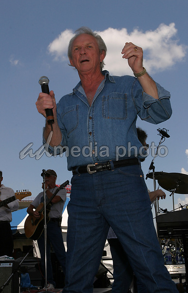 June 12th, 2004:  Nashville, TN, USA: CMA Music Festival Convention RiverFront Stages Day 3.  Mel Tillis Performs.  Mandatory Photo Credit:  Ferguson/Admedia (c) Kevin Ferguson/2004