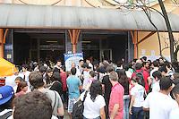SAO PAULO, SP, 16/12/2012, 2ª FASE UNESP. Começa nesse Domingo(16) a 2B fase da UNESP (Universidade Estadual Paulista) prova aplicada na UNIP - CAMPUS MARQUÊS DE SÃO VICENTE.    FOTO: LUIZ GUARNIERI / BRAZIL PHOTO PRESS).