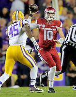 11/14/15<br /> Arkansas Democrat-Gazette/STEPHEN B. THORNTON<br /> Arkansas' Brandon Allen looks to throw in the first  quarter during their game Saturday in Baton Rouge, La.