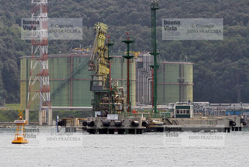 - Panigaglia regasification plant ....- impianto rigassificatore di Panigaglia